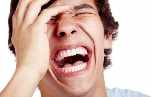 笑纹是鱼尾纹吗?有了皱纹如何消除呢?