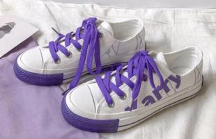 帆布鞋搭配什么衣服好看?甜美俏皮秀美腿,照着穿就很美