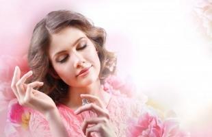 喷香水的正确方法,让你魅力大增,靠味道撩人!
